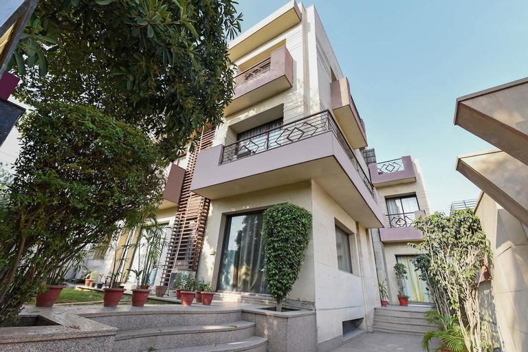 OYO Flagship 387 Moulsari Avenue, Gurgaon