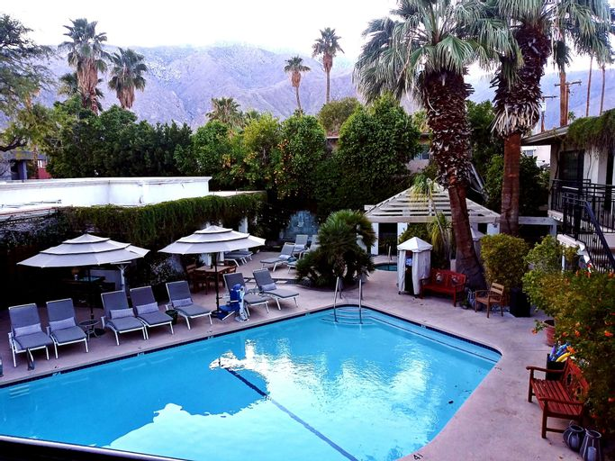 East Canyon Hotel and Spa, Riverside