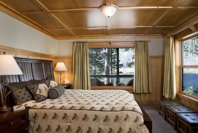Tamarack Lodge and Resort, Mono