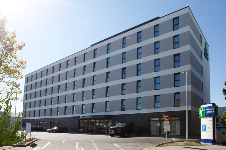 Holiday Inn Express Frankfurt Airport-Raunheim, an IHG Hotel, Groß-Gerau