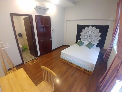 Four Of A Kind Hostel, Quận 1