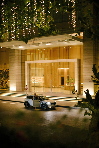 Avani+ Riverside Bangkok Hotel, Thon Buri