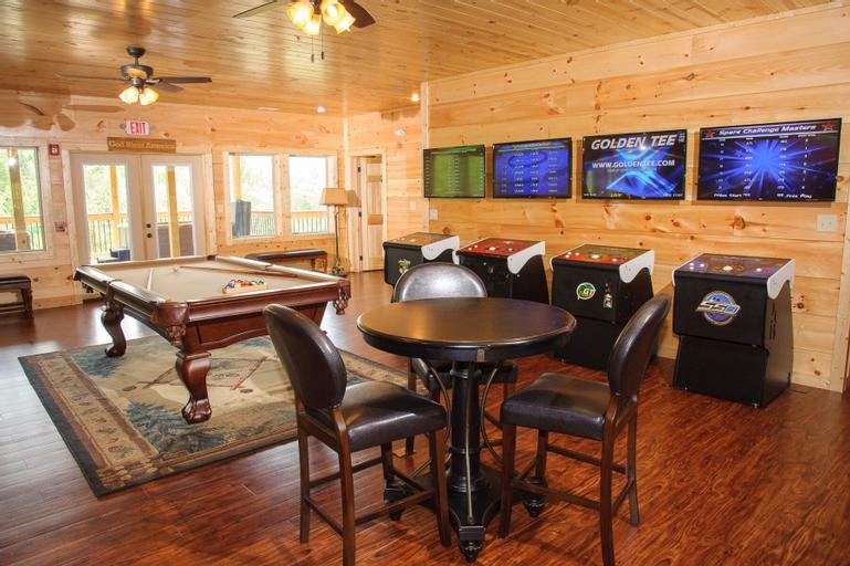 Foxwood Mansion - Fourteen Bedroom Cabin, Sevier