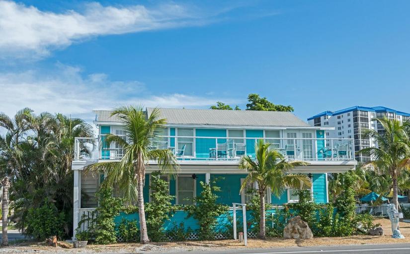 Estero Estate #2 - Two Bedroom Apartment, Lee