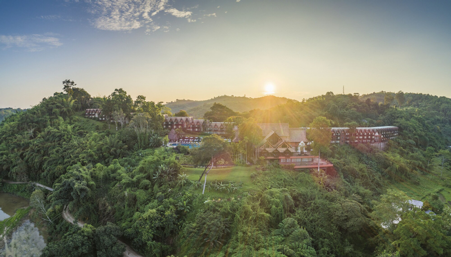 Anantara Golden Triangle Elephant Camp Resort All Inclusive, Chiang Saen