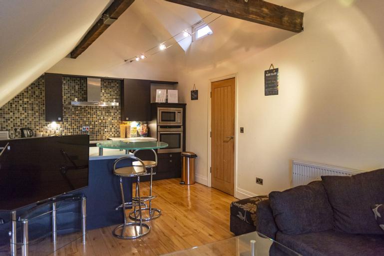 Luxury Apt No. 2 - One Bed Apartment, Bury