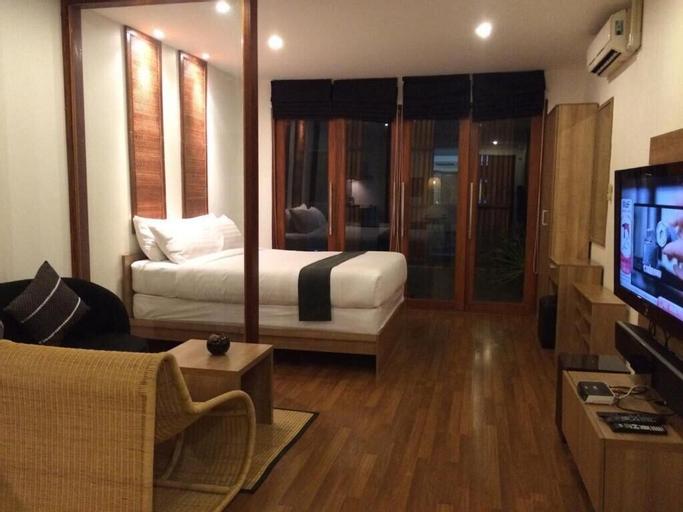 5ive Beach House Hotel, Sattahip