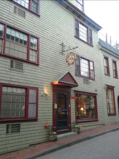 Americas Cup Inn, Newport