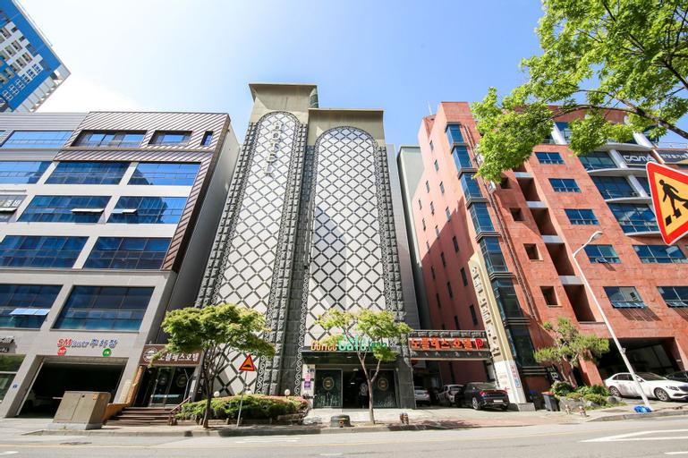 Noblesse Hotel, Gwangsan