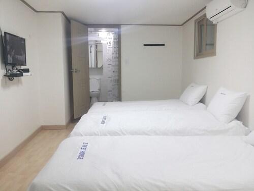Myeongdong Guesthouse, Jongro