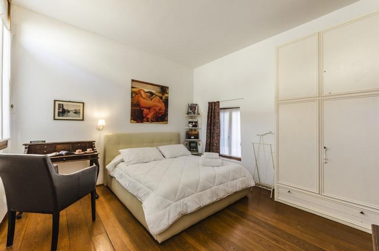 CITADELLE - apartment with balcony, Venezia