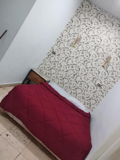 One Season Hostel, Qasr an-Nil