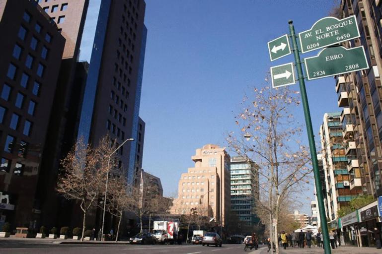 Rent a Home Bosque Norte, Santiago