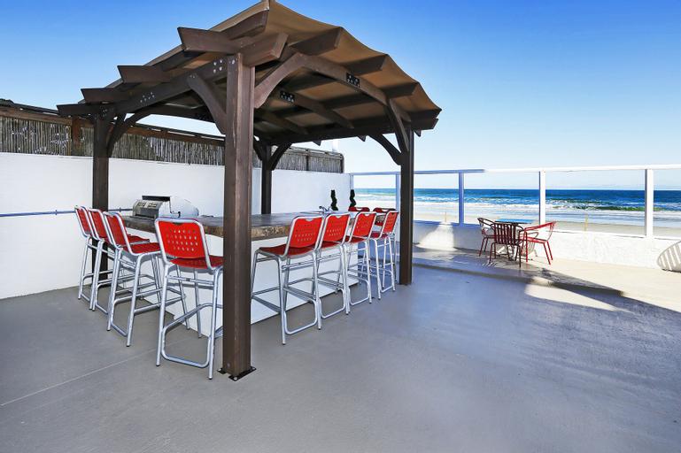 Chateau Mar Beach Resort, Volusia