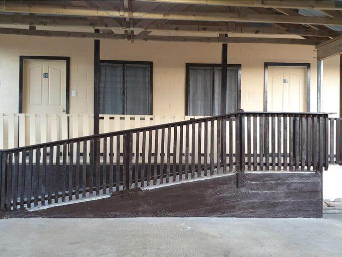 Transit Motel, Aana Alofi III