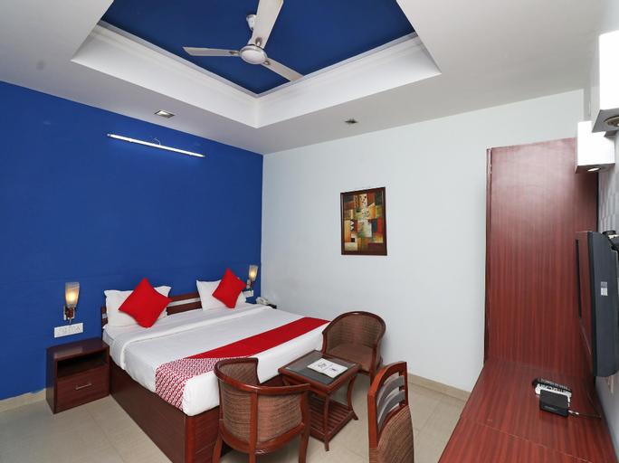 OYO 30119 Hotel Kanishk, Rewari