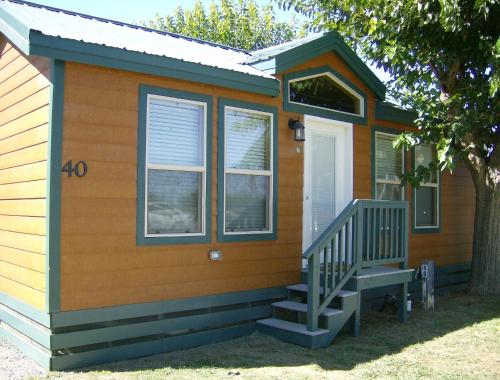 Lake Minden Camping Resort Cottage 2, Sutter