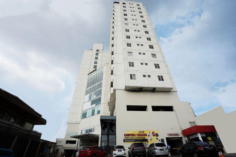 Collection O 29 Twin Tower, Surabaya
