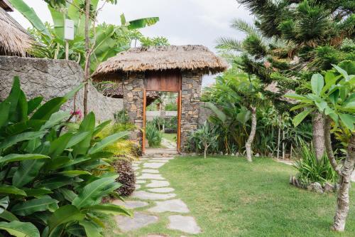 Puri Samaira, Lombok