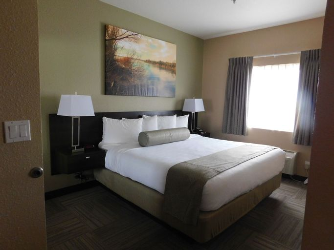 Island Suites, Mohave
