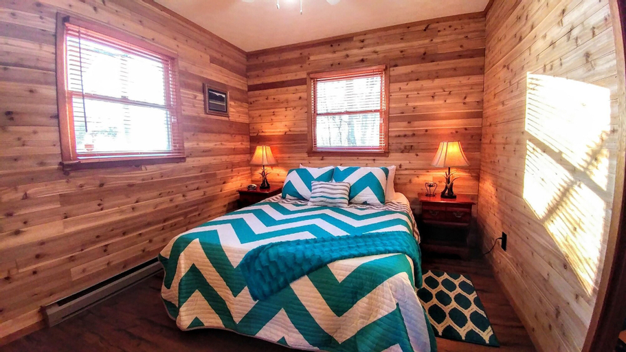Bear With Us - Two Bedroom Cabin, Jackson