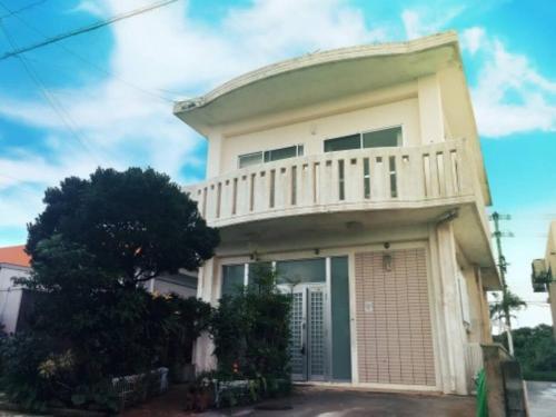 Okinawa Tsukishiro Villa, Nanjō