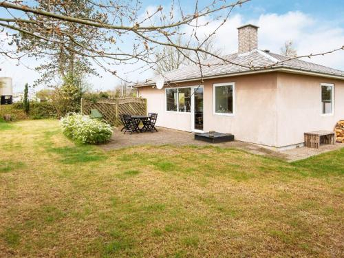 Two-Bedroom Holiday home in Hejls 14, Kolding