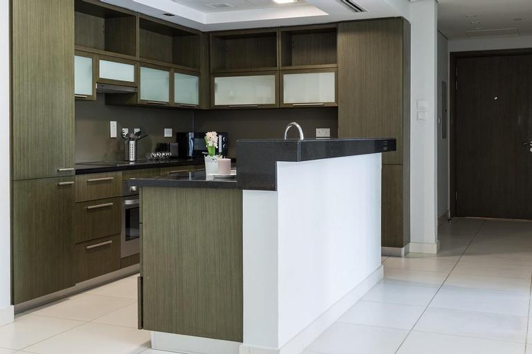 Superb apartment walking distance to Burj Khalifa,