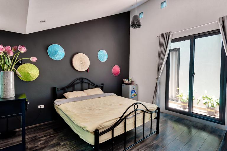 Chip's Family 202. Private & Friendly Room w Patio, Ba Đình