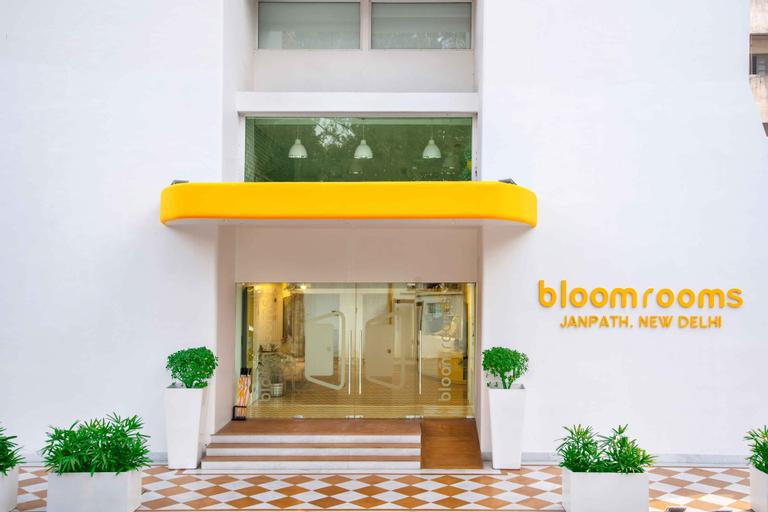 bloomrooms @ Janpath, West