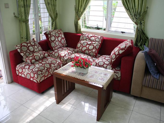 Villa Kota Bunga Peony, Cianjur