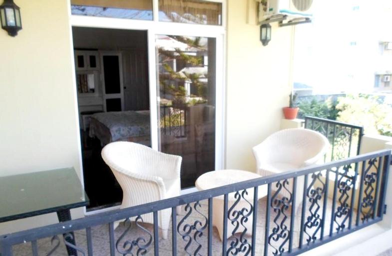 Studio in Trou-aux-biches, With Wonderful City View, Furnished Balcony,