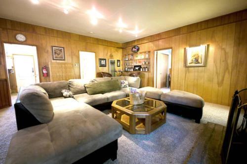 Green Cabin in Big Bear Lake, San Bernardino
