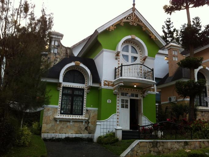 Villa Kota Bunga Dahlia, Cianjur