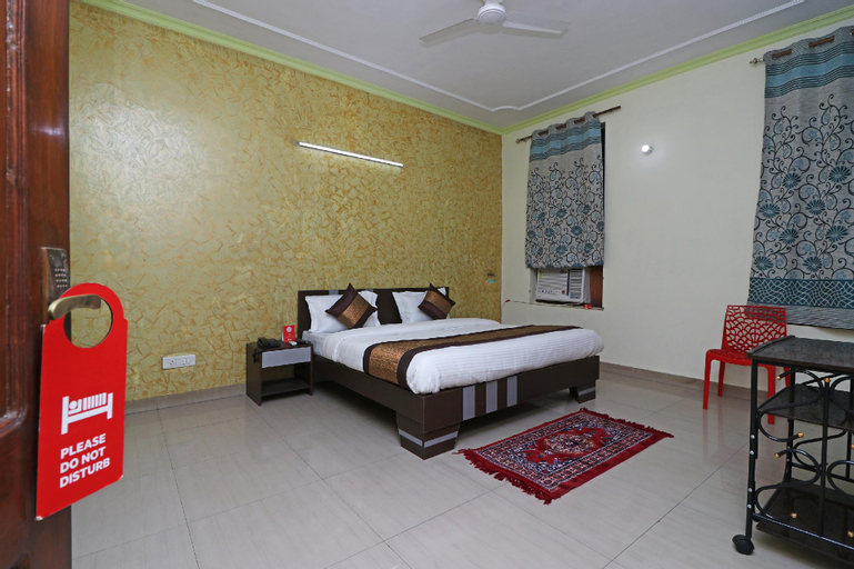 OYO 10071 Go Rooms Sector 45, Gurgaon