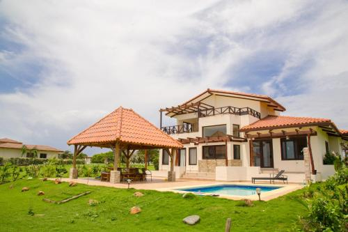 Villa Larisa, Pedasí