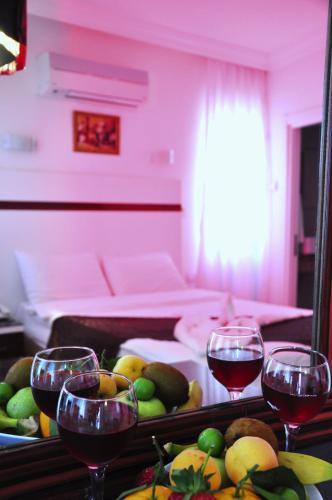 Atalla Hotel, Merkez