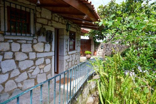 House with 2 bedrooms in Cristelo with wonderful sea view shared pool furnished garden, Caminha