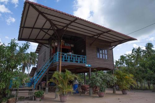 Prithy & Mutta (Community Homestay Chansor 15 ), Soutr Nikom