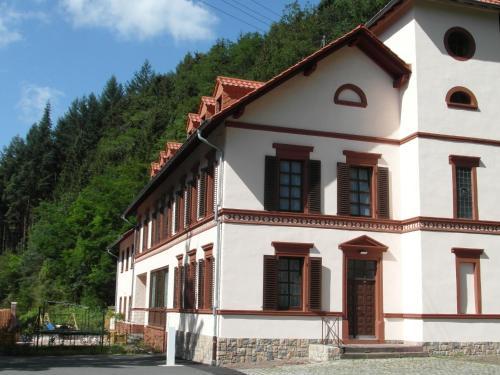 Luxury Holiday Home in Rohl Eifel with Fenced Garden, Eifelkreis Bitburg-Prüm