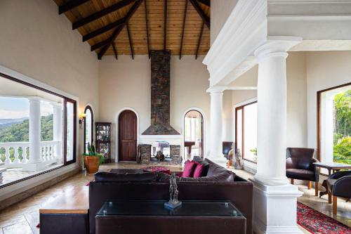 7 Bedrooms Mansion, Jamaca de Dios., Jarabacoa