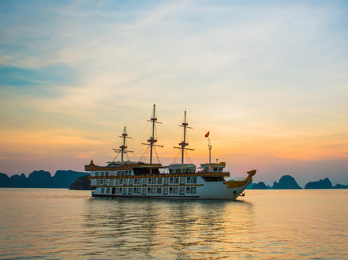 Dragon Legend Cruise, Hạ Long