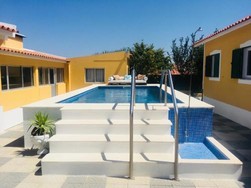 O Nosso Cantinho (private pool), Santarém