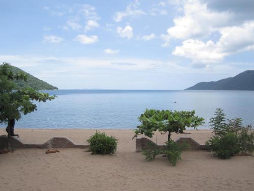 Beach-side Cottage on Lake Malawi, TA Nankumba