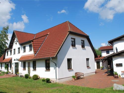 Sprawling Mansion with Swimming Pool in Dargun Mecklenburg, Mecklenburgische Seenplatte