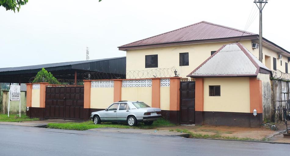 Liz Ani Hotel, Calabar