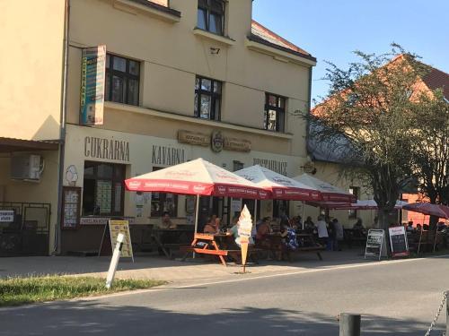 Tradicni cesky dum s loznicemi v podkrovi, Mladá Boleslav