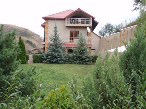 5 Rooms Resort,