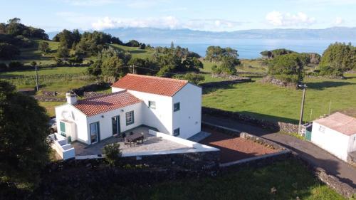 Casa da Altamora - up to 12 guests!, Lajes do Pico