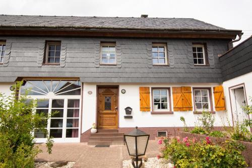 """4 Sterne Ferienhaus """"Zum Weiher"""", Birkenfeld"""
